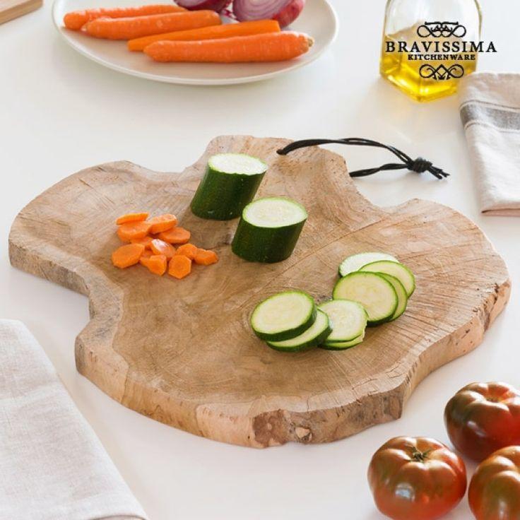 """Η """"Bravissima kitchen"""" που ξεχωρίζει για τον καινοτόμο σχεδιασμό της σε ρουστίκ στυλ, συμβαδίζοντας με τις νέες τάσεις της μόδας, σας παρουσιάζει την ανθεκτική και πρωτότυπη σανίδα κουζίνας."""