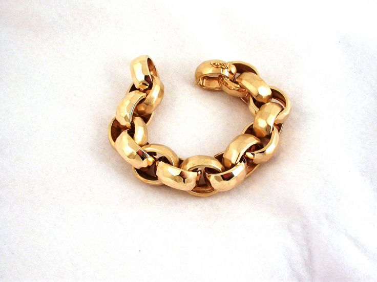 Bracelet - Cocktail. 18 carat gold (kt), yellow gold, 111.80 grams (gr). Wide: 0.8 inches (Usa) | 2.00 cm (Italy). Size: 8.30 inches (Usa) | 21.00 cm (Italy). Codex: IMSS.ss.