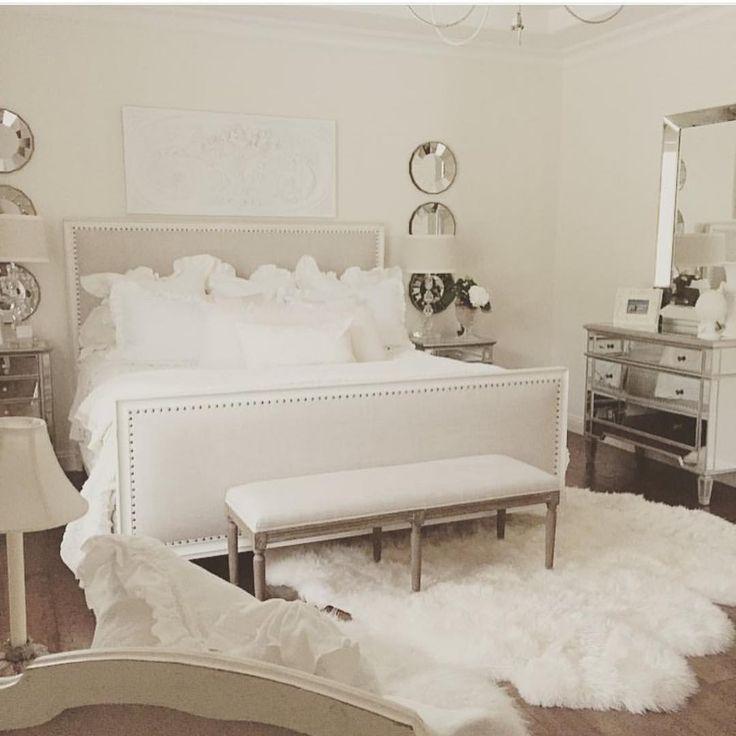 """31.1 mil curtidas, 660 comentários - Interior Design & Home Decor (@inspire_me_home_decor) no Instagram: """"All white everything tagged by @randigarrettdesign"""""""