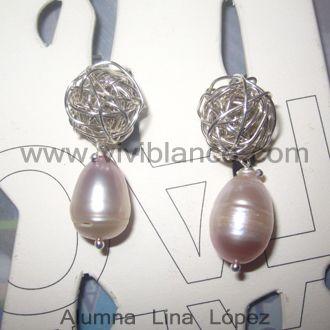 Aretes / zarcillos con base de plata tejida y perlas cultivadas. Curso de Joyería de ViviBlanco.