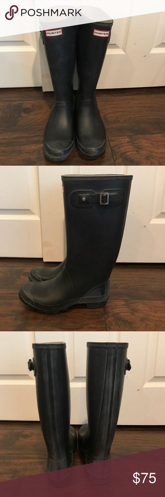 Hunter Rain Boots Matte black Hunter rain boots, huntress (wide calf) Hunter Boots Shoes Winter & Rain Boots