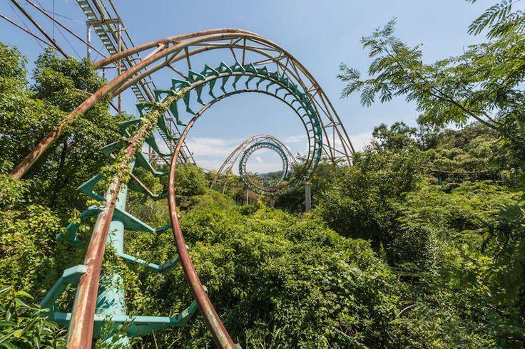 Romain Veillon explore le parc d'attractions abandonné de Nara Dreamland