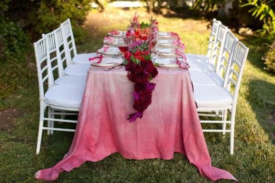 como fazer lembrancinhas de casamento decoracao mesa: Pink Wedding Centerpieces, Idea, Wedding Color, Dips Dyed, Ties Dyes, Head Tables, Gardens Parties, Tables Linens, Wedding Tables Sets