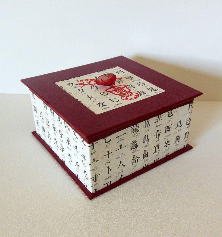 BOITE A BIJOUX ROUGE MOTIFS CHINOIS : Presentoir, boîtes par flo-deco