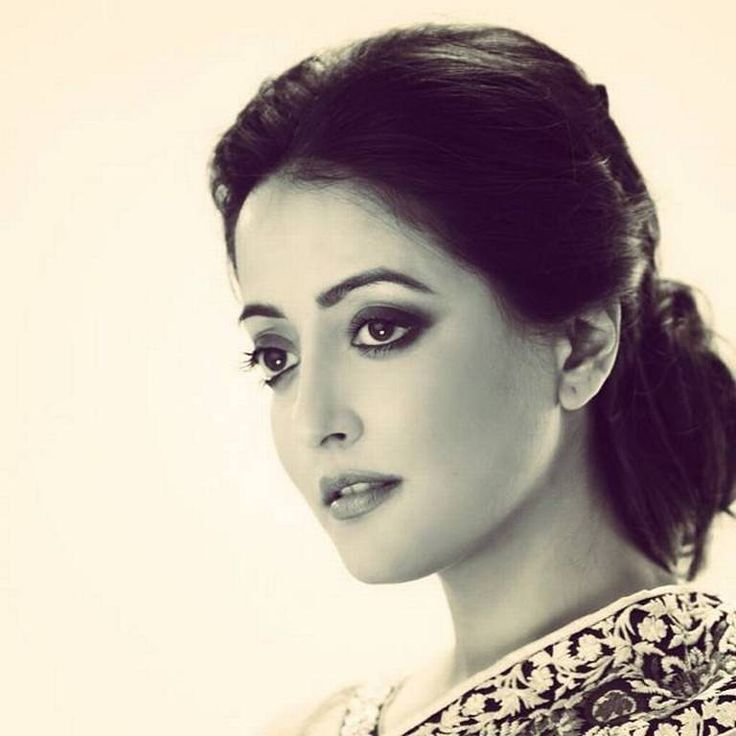 Raima Sen ( b. Raima Dev Varma 24 January 1981 in Kolkata ) is an Indian Bollywood film actress and model. She comes from a family of actors including her grandmother Suchitra Sen - a legend of Bengali cinema, mother Moon Moon Sen and sister Raima Sen. Her father Bharat Dev Varma is from the royal family of Tripura. Her paternal grandmother, Ila Devi was the princess of Cooch Behar, (her younger sister was Gayatri Devi the Maharani of Jaipur).