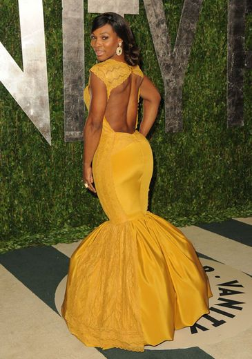 Serena williams family jewels and butter fingers on pinterest for Serena williams wedding dress