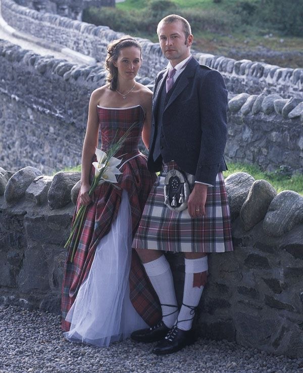Wedding bouquets wrapped with tartan fabric to match the groom's kilt. Description from pinterest.com. I searched for this on bing.com/images