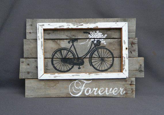 Mariage de mur récupéré des palettes de bois Art, peint à la main blanc marguerites vélo antique, signe d