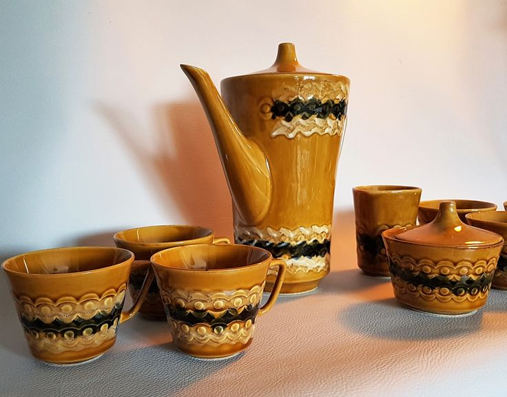 Serwis IRA Chodzież, projekt Józef Wrzesień | IRA coffee set, Chodizeż, design Józef Wrzesień | buy on Patyna.pl #IRA #Chodzież #Wrzesień #Polish #design #ceramics #coffee #brown #PRL #retro #vintage #vintagelove #inspiration #kitchen
