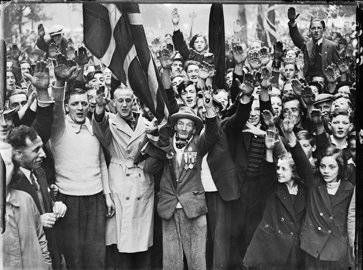 Fascist demonstration, 3 October 1937, George W. Roper, Daily Herald Archive, National Media Museum Collection / SSPL