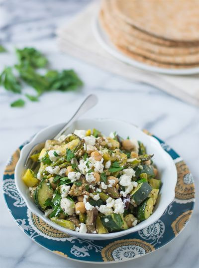 MEDITERRANEAN-ROASTED-VEGETABLE-AND-CHICKPEA-SALAD