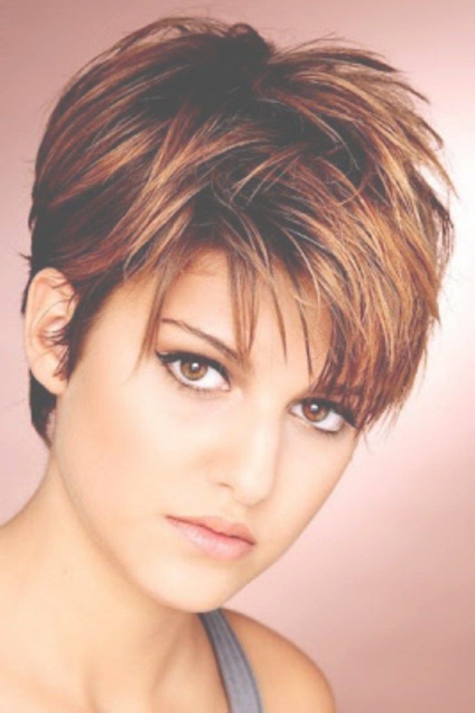 Very Short Hairstyles For Thin Hair Beautiful 21 Best Short Haircuts For Fine Hair Pinterest Fine Coiffure Courte Cheveux Courts Cheveux Courts Visage Rond