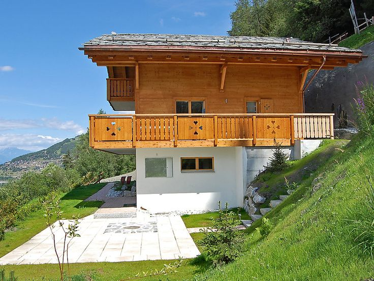 """Chalet Agneau - Chalet - NENDAZ - Switzerland - 1529 CHF """"Chalet Agneau"""", 5-room chalet 200 m2 on 3 levels. Living/dining room with Scandinavian wood stove. Exit to the terrace. Open kitchen (oven, dishwasher, microwave, freezer, raclette grill fondue Set ("""