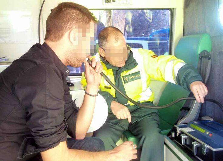 Detenido un conductor que sextuplicaba la tasa máxima de alcoholemia