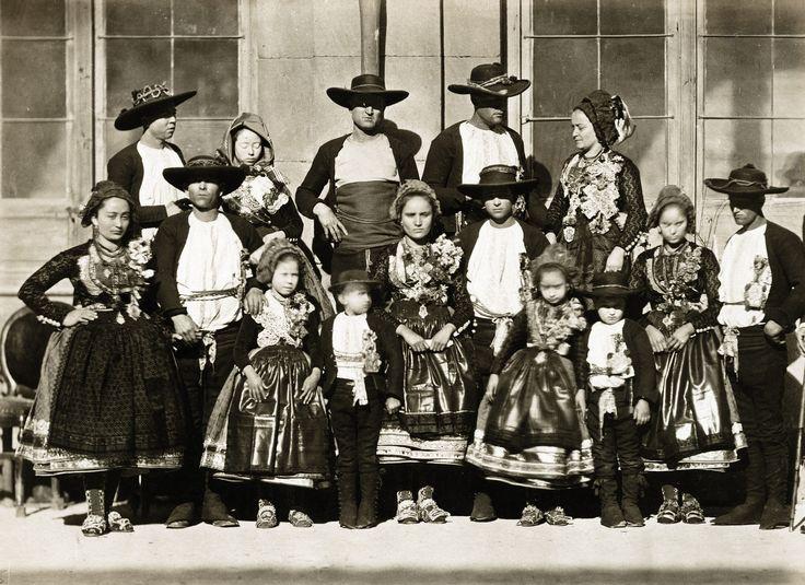Juan Laurent - People from Cordoba, Spain, 1863