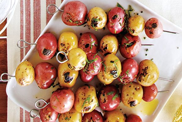 A make-ahead menu for Canada Day including Herbed Mini Potato Skewers #canadaday