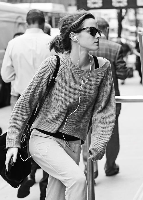 Emma Watson candid, très my style