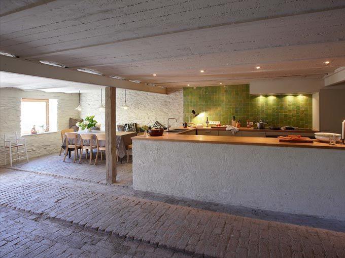 Ardennen- mooi ingericht huis voor 26 personen, heerlijk om een keer naar toe te gaan met familie en vrienden. Er is ook een mogelijkheid om een chef de cuisine op aanvraag in te huren. sommerain64