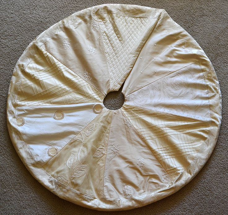 Ivory Silk Christmas Tree Skirt By LauraStripling On Etsy