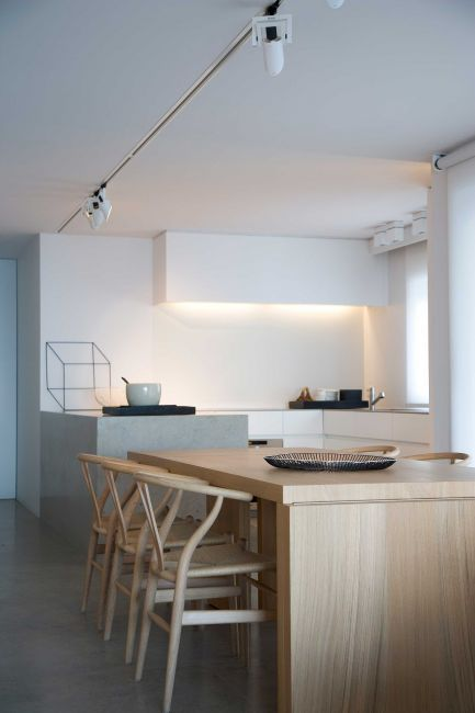 White kitchen And wood | #interior #design #kitchen #home #space