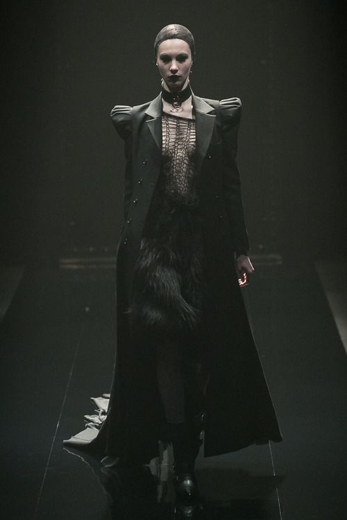 [No.24/55] alice auaa 2013~14秋冬コレクション | Fashionsnap.com
