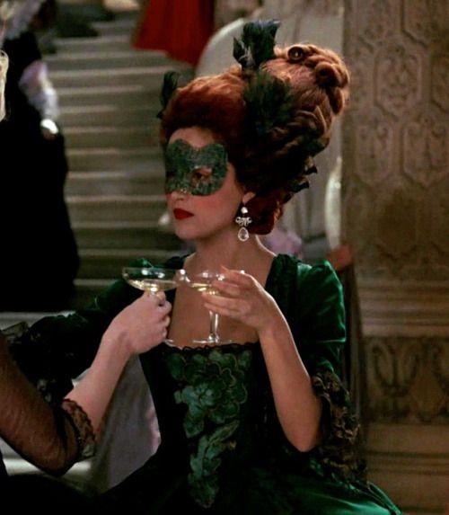 Rose Byrne as the Duchesse de Polignac in Marie Antoinette (2006).