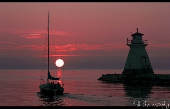 Southampton, Ontario, Canada. The best sunsets on lake Huron......Facebook(paula bell photography) mamabravo