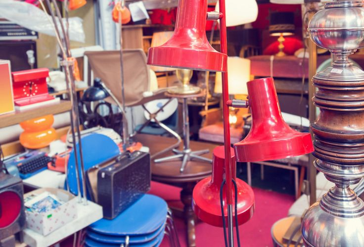 A Virtual Garage Sale Takes on Craigslist