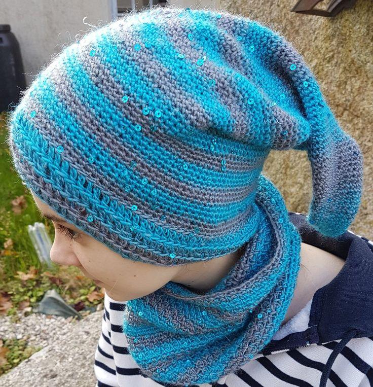 4ad67d431bd1 duo bonnet de lutin plus snood crocheté dans un fil faisant des rayures et  à paillettes