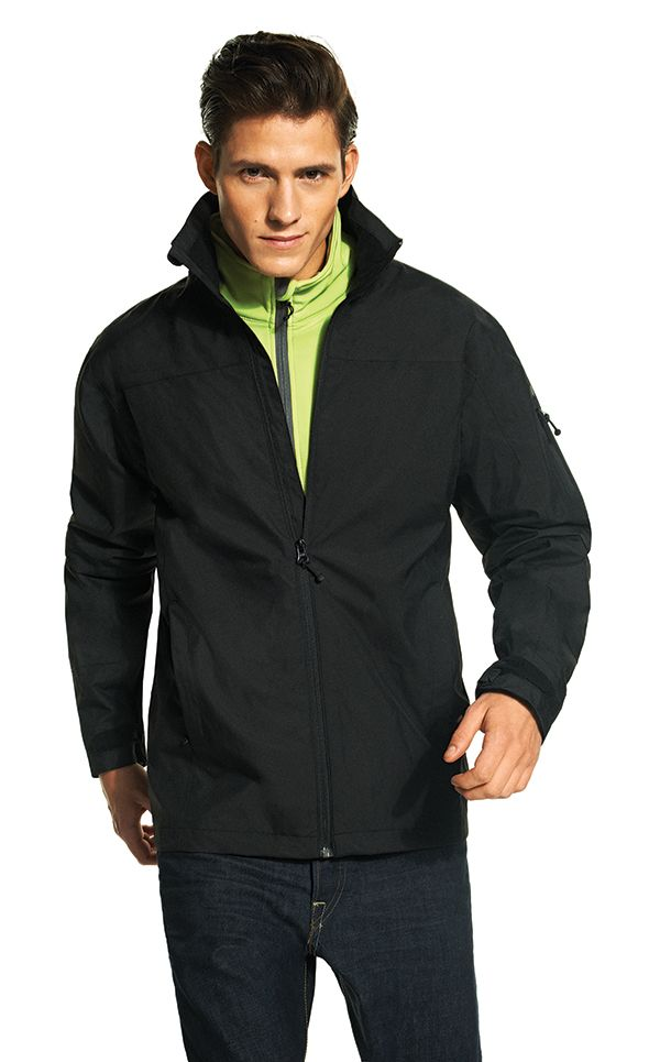 XD Shell all weather sustainable jacket, made of 55% recycled polyester and 45% virgin polyester with a 100% brushed mesh lining, down free. With taped seams. Standard exchangeable zipper puller in black.