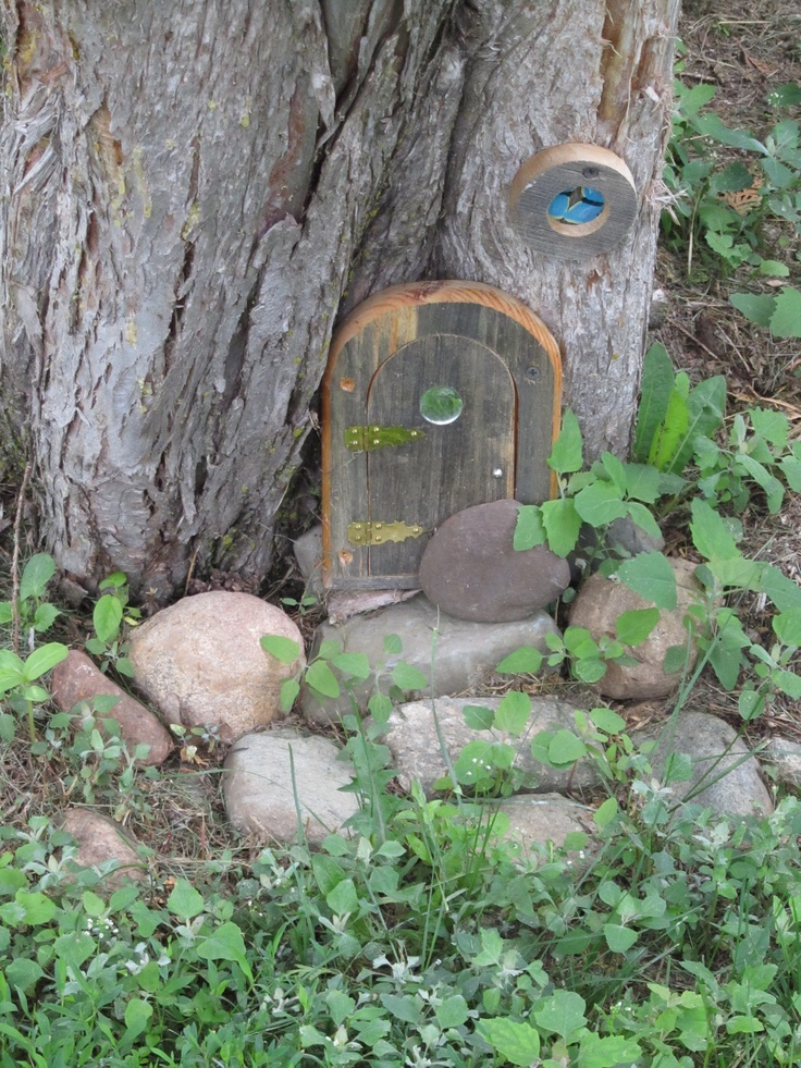 27 best images about gnome homes on pinterest gardens for Gnome doors for trees