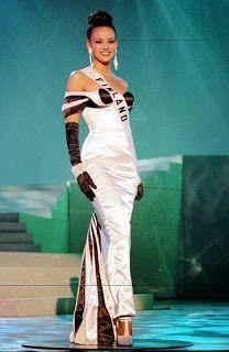 3.sija Miss Universium kisassa 1996 Lola Os.Odusoga, Wallinkoski.
