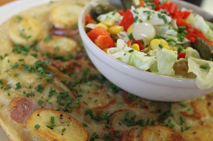 Rösti: Spek, Ui, Aardappelschijfjes en een Salade