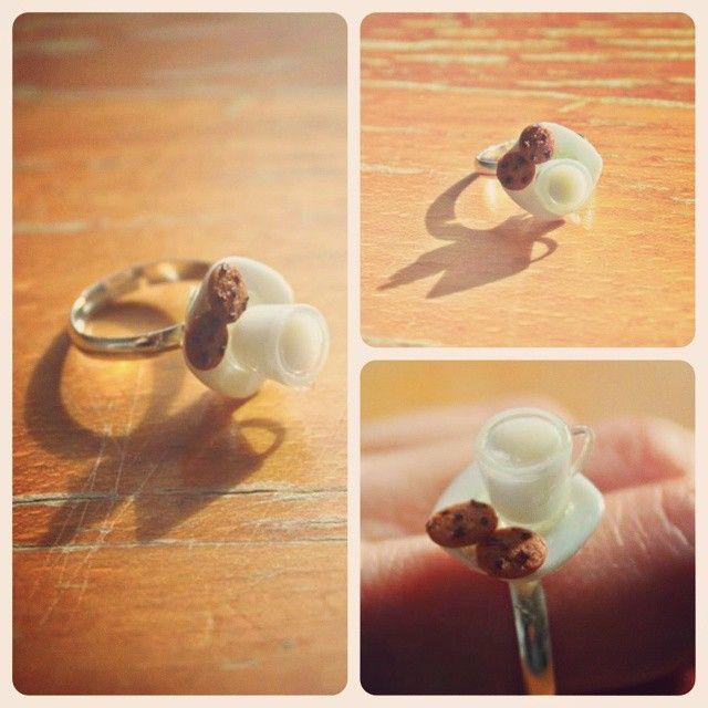 Anillo Leche con galletas #ring #handmade #jewellery #fimo #milk #cookies