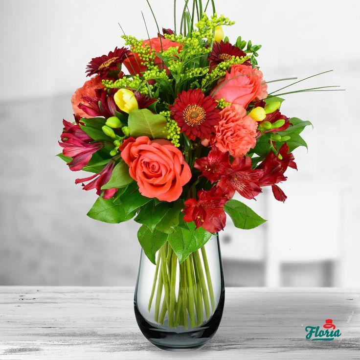 Ofera cadou toata Toamna, intr-un buchet rafinat de flori deosebite de la Floria! Acest buchet contine: 3 alstroemeria rosii, 3 frezii galbene, 3 trandafiri portocalii, 3 gerbera rosii, 3 garoafe portocalii, 1 solidago. Dimensiune: 40 cm (inaltime) - 30 cm (diametrul buchetului).