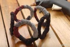Curtain rings covered with fabric  DIY Tutorial Diy Tassel / DIY Make Shabby Fabric Tassels - Bead&Cord