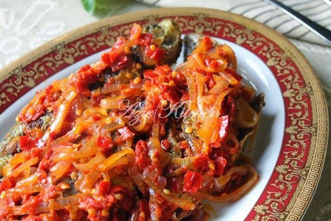 Azie Kitchen: Ikan Goreng Berlado Ala Minang