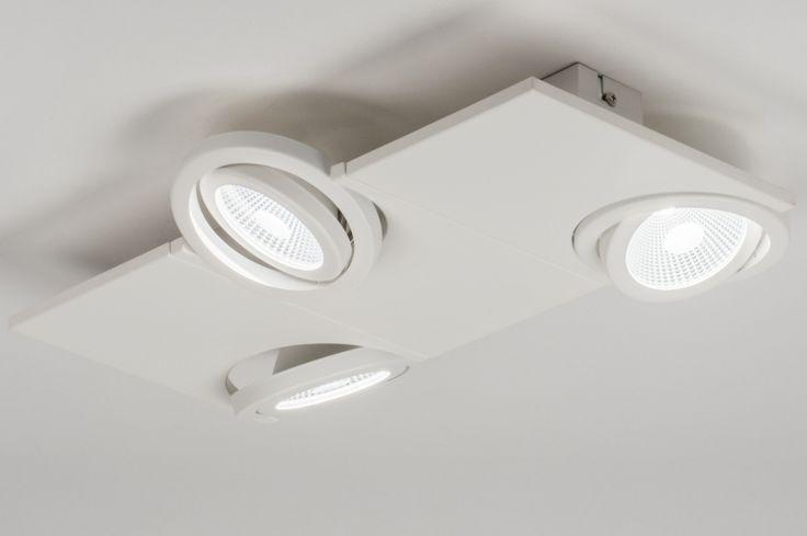 artikel 11060 Apart design, led plafondlamp uitgevoerd in mat, witte kleur voorzien van drie spots. https://www.rietveldlicht.nl/artikel/plafondlamp-11060-modern-design-wit-mat-aluminium-rechthoekig