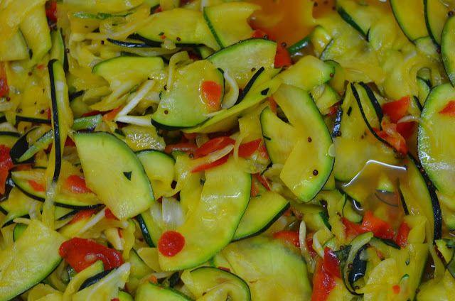 Apetyczna Babeczka Anielska Kuchnia Salatka Z Cukinii Do Sloikow Na Zime Food Vegetables Zucchini
