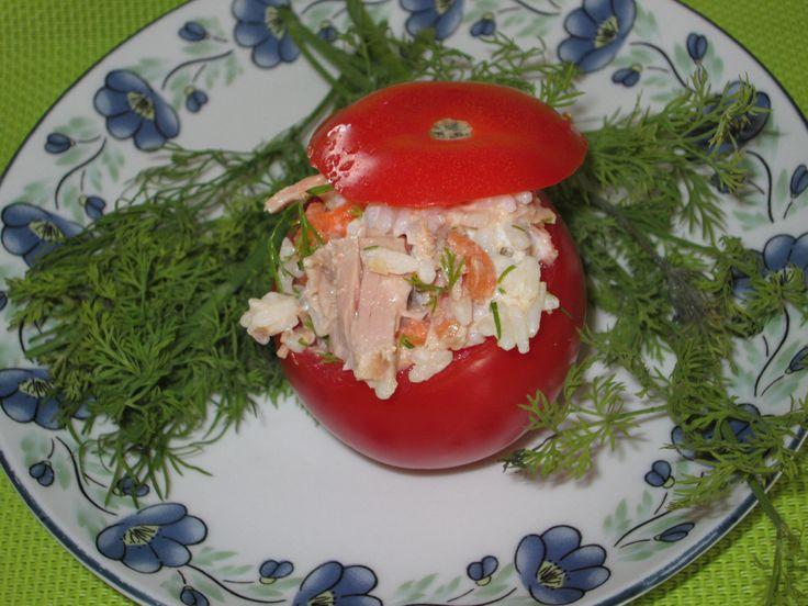 Gevulde tomaat, lekker voorgerecht. Lees hier het recept. http://beaskookclub.wordpress.com/recepten/voorgerechten/gevulde-tomaten-4-personen/