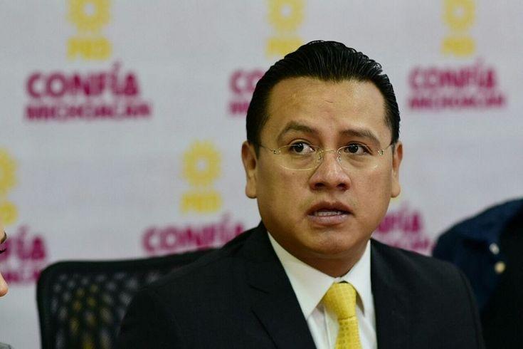 México y Michoacán aún pagan las consecuencias de la fallida estrategia de seguridad implementada durante el último sexenio del PAN, argumentó el dirigente estatal del sol azteca, Carlos Torres Piña ...