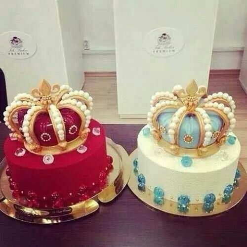 Cute crown cakes