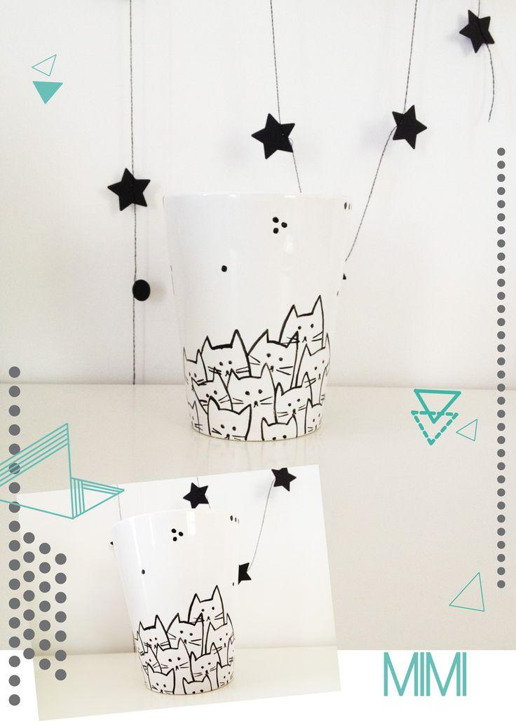 """Mug en porcelaine, décoré de motifs """"petits chats"""" : Vaisselle, verres par…"""