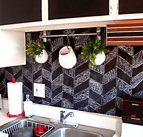 DIY chevron chalkboard backsplash pattern in a kitchen: Hanging Plants, Backsplash Ideas, Back Splash, Chalkboards Paintings, Kitchens Backsplash, Chalkboards Backsplash, Kitchenbacksplash, Blackboard Paintings, Chalkboards Wall