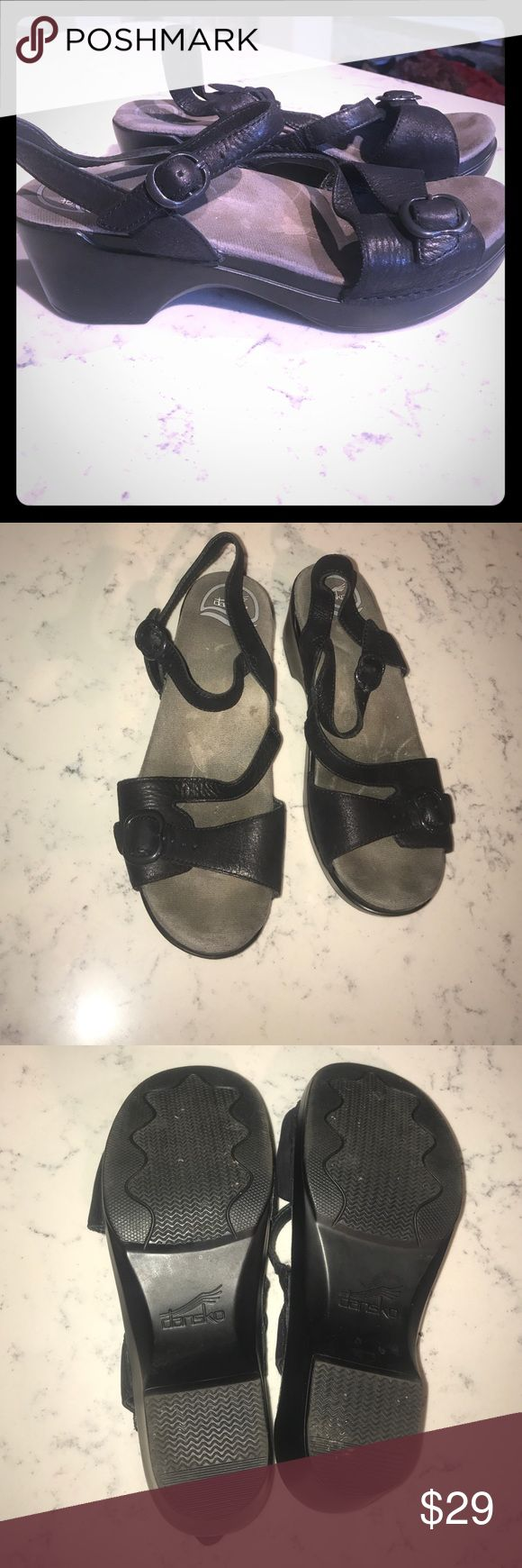 Dankso Mary Jane Clog Sandal Size 39 Open Toe Dansko black Mary Jane Sandals size 39 for sale! Leather and comfortable! The bottom soles are in excellent condition. They have been worn but have a ton of wear left! Dansko Shoes Sandals