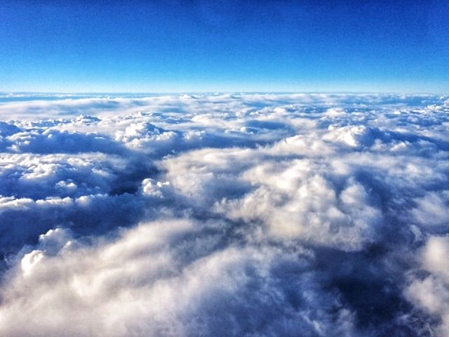 #clouds #iPhone #blue #white #sky #fly #andreaturno @andreaturno