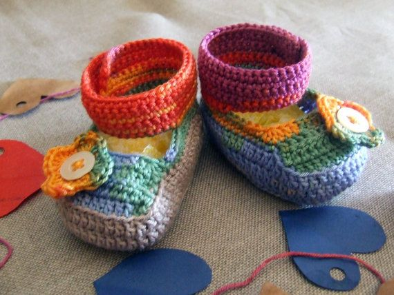 Baby booties, and / boots (viewable in the image above), silky soft cotton multicolor crochet.  Item unique, original, hand made, to be realized in a short time for you to order, to embellish the layette and / or to give away.  It is possible to realize the shoes (boots) even with thin wool baby and / or according to the directions vs.  Handmade creation, any imperfections are due to manual processing.