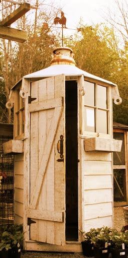 A sweet garden shed by Bob Bowling Rustics