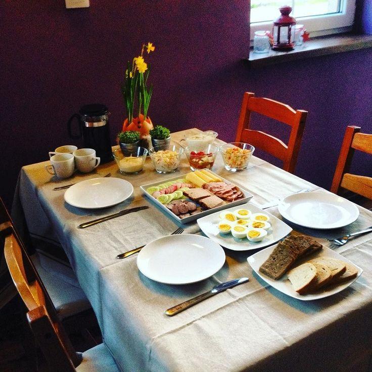 Yeaaaaahhh! It's Easter time! #familytime #supper #easter #table #goodies #happyeverything #begood #behappy