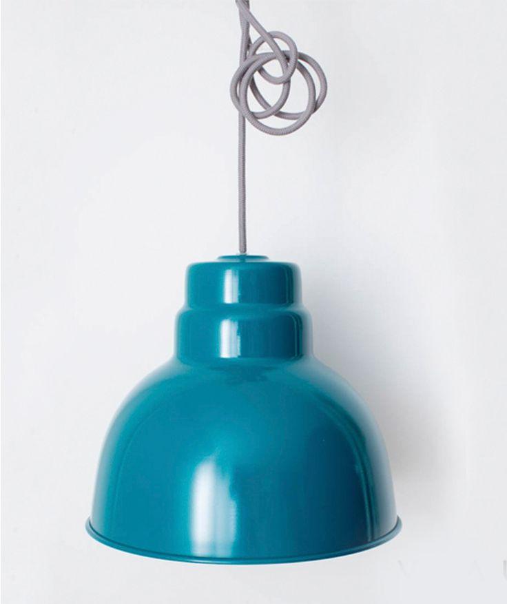 Campana Grande Azul Petróleo - Lámpara de techo en aluminio. $190.000 COP (Envío gratis). Cómparal aquí--> https://www.dekosas.com/productos/decoracion-hogar-vida-util-lampara-campana-grande-azul-detalle